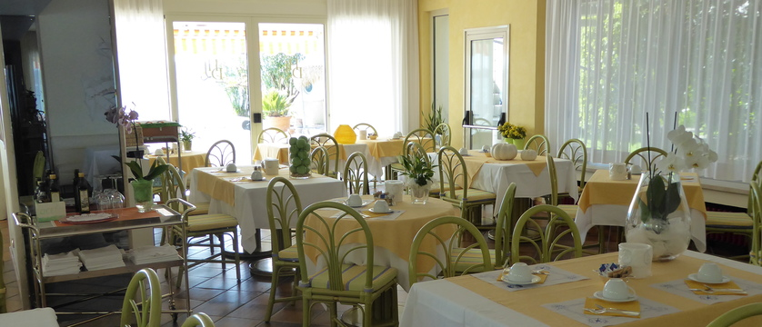 Hotel Du Lac Breakfast room.jpg
